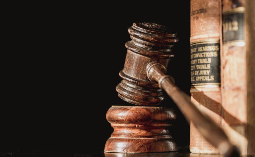 Source & license: https://burst.shopify.com/photos/law-books-and-judge-gavel?q=legal